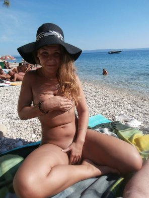 amateur photo Nude at the beach