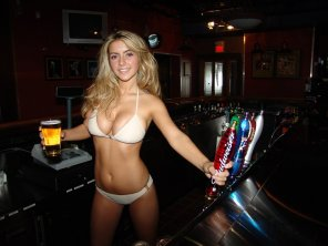amateur photo I'd definitely order a beer from her