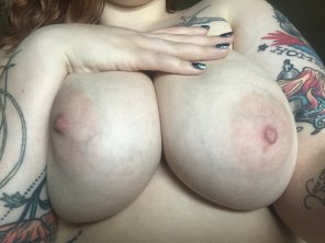 amateur photo Titty Pics on Monday with a Pussy Surprise 🐱