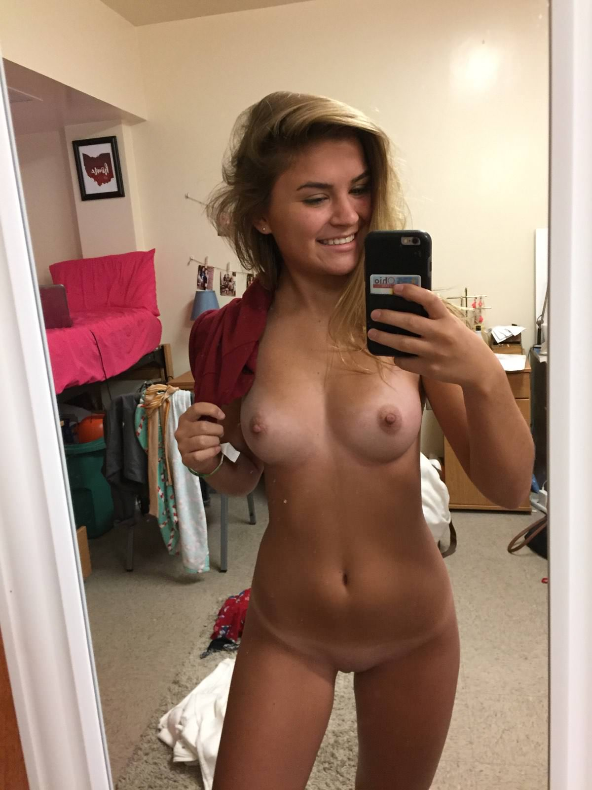 Teen Girl Show Tits Solo