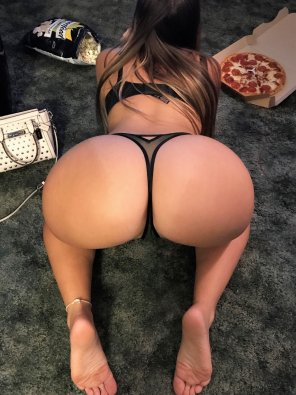 amateur photo pizza and pussy