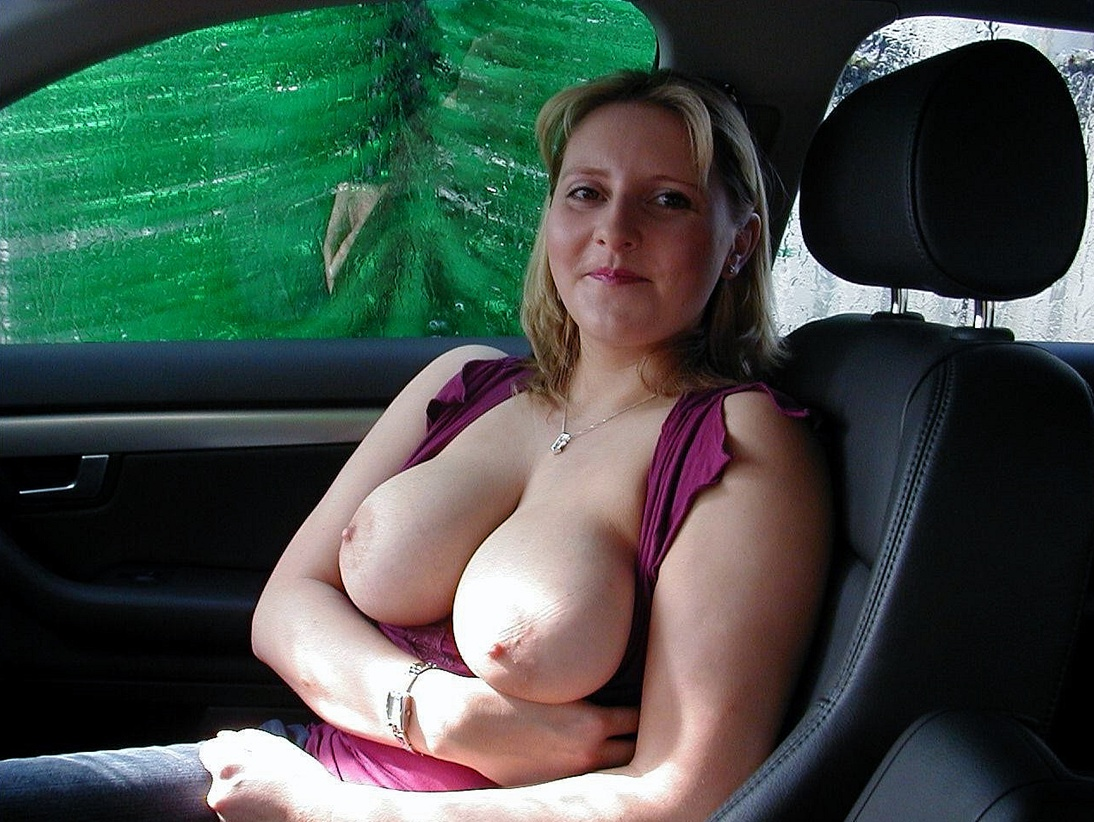 milf cleaning car