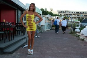 amateur photo Yellow minidress in public