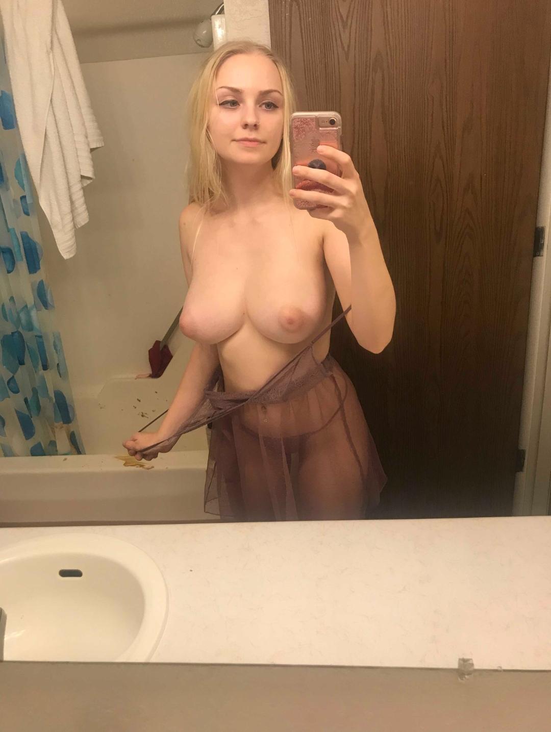 Slfies nude Tamra Judge,