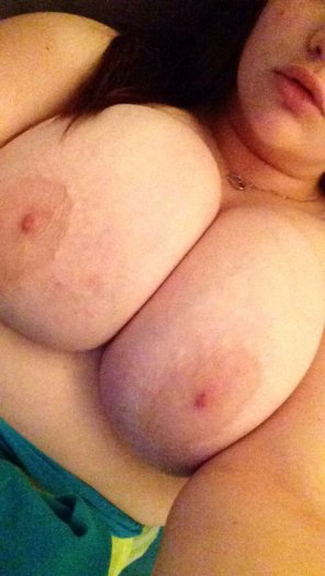 amateur photo Big lips and big tits