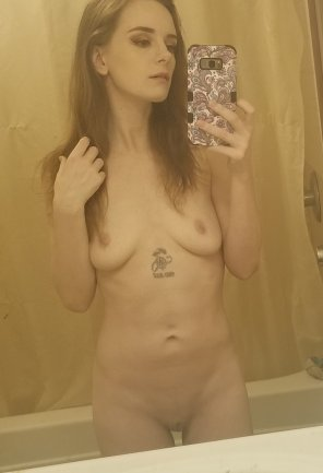 amateur photo Simple mirror selfie [f]