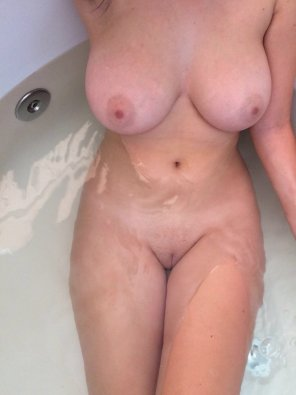 amateur photo tub