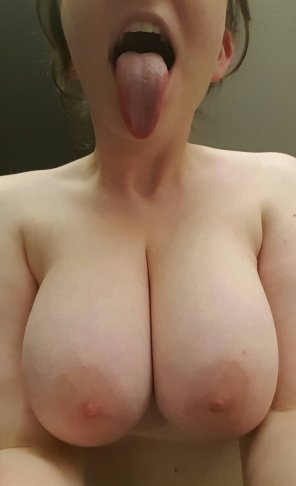 "amateur photo ""I'm ready for your cum"""