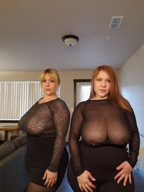 amateur photo Busty pair...