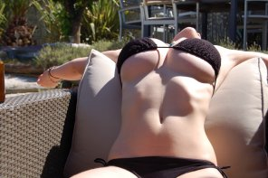 amateur photo Bikini Bursting