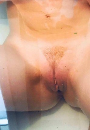amateur photo Pink swollen labia for you