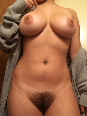 amateur photo Big Boobs, Full Bush, Can't Lose