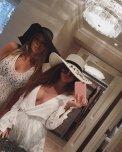 amateur photo Big hat