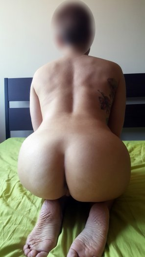 amateur photo Do you think I've got a sexy back? That ass is waiting to be filled [Tight-Petite-MILF-40-CC-Whore]
