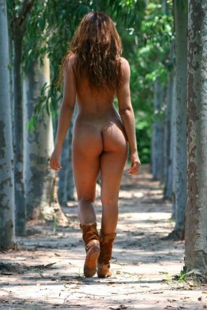 amateur photo Tanned amazonian ass
