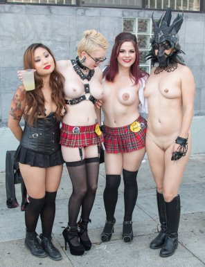 amateur photo Folsom Street Fair Chicks Showing Off
