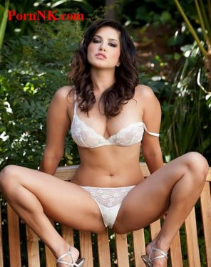 amateur photo Bollywood actress Sunny Leone