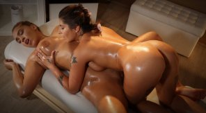 amateur photo Oily amazons
