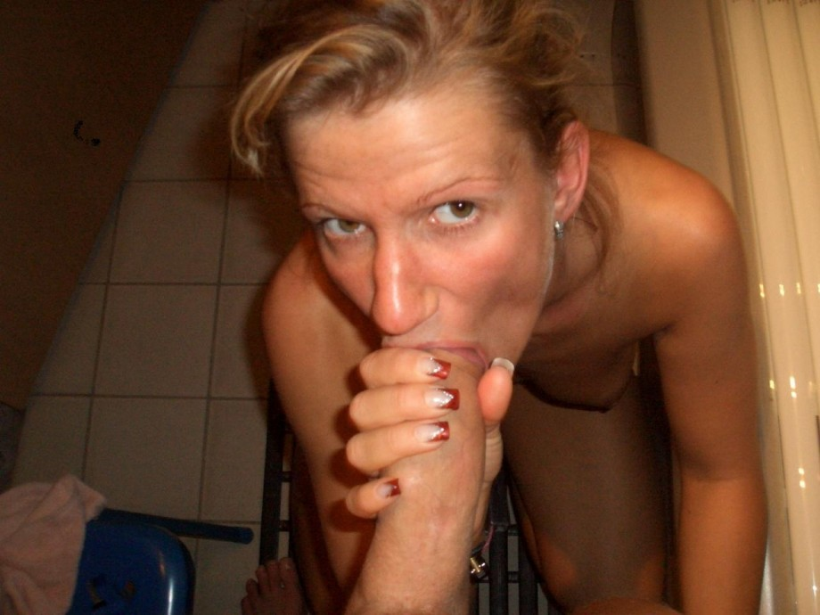 Have on nude knees wife her can, too