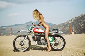 amateur photo Dirt bike babe