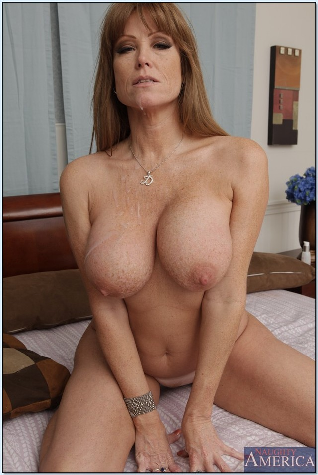 Cumming on a milfs tits