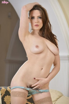 amateur photo Natural beauty Samantha Bentley