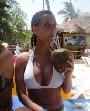 amateur photo Coconut