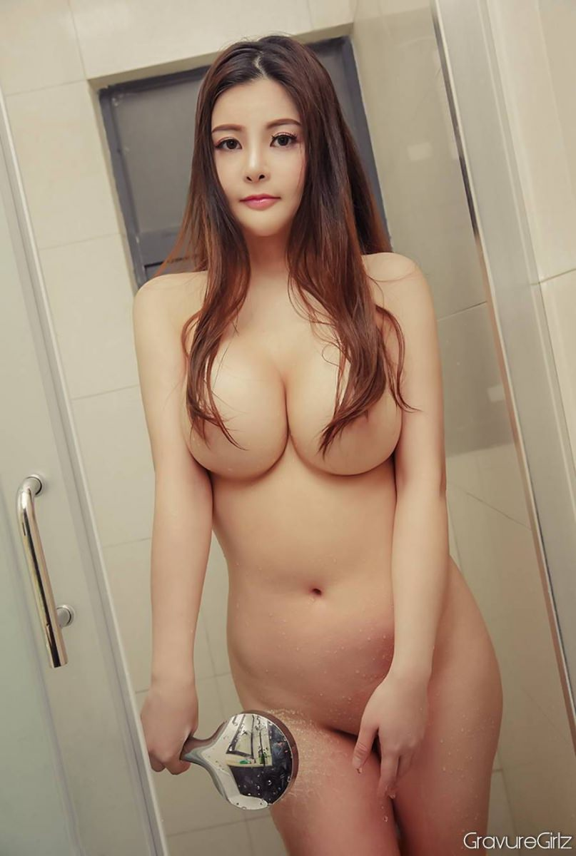 Adult videos A sexy naked girl