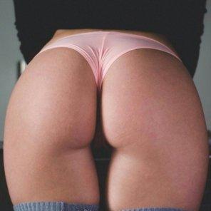 amateur photo Pink thong, nice ass