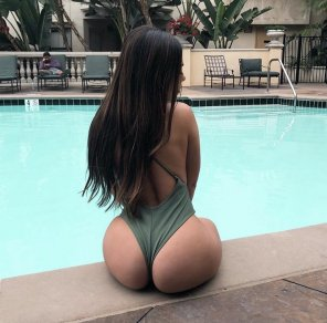 amateur photo Poolside
