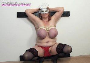 amateur photo big boobs bondage