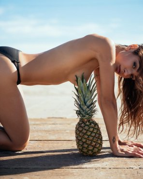 amateur photo Perfectly placed pineapple
