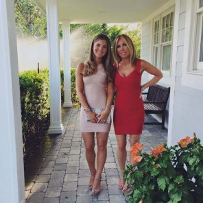 amateur photo MILF and her teen daughter: