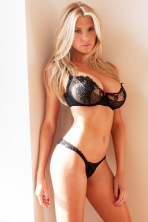 amateur photo Charlotte McKinney photographed by Terry Richardson
