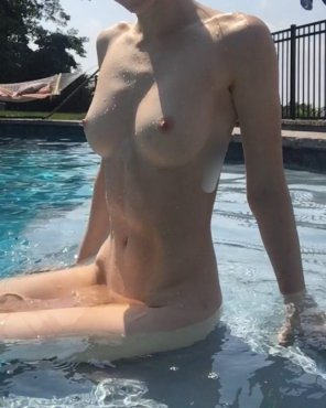 amateur photo The [f]reezing cold today had me missing skinny dipping in the summer