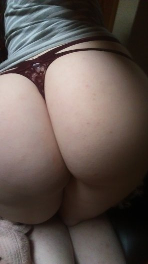 amateur photo Touchy the buttyy? ;p