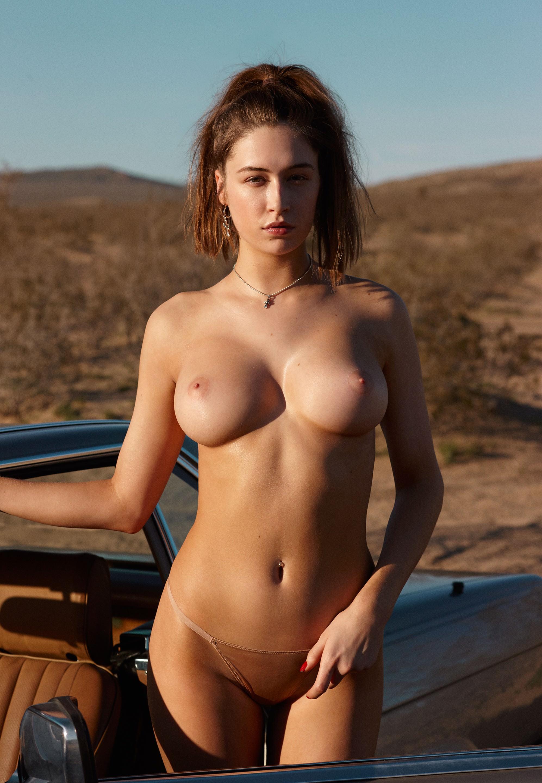 Hewitt naked elsie