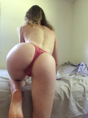 amateur photo little pink thong