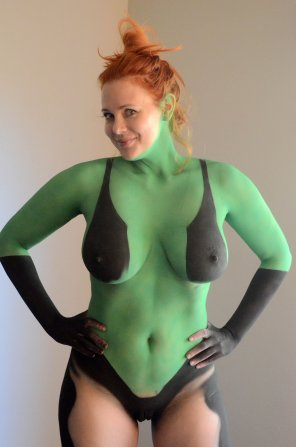 amateur photo Maitland Ward in bodypaint