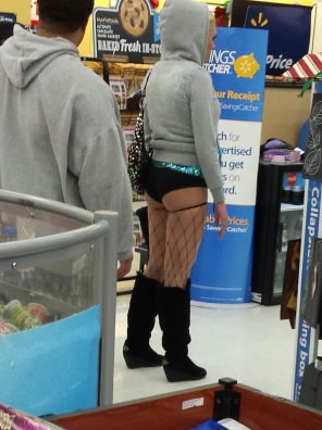 amateur photo Ass? Yes. Walmart.