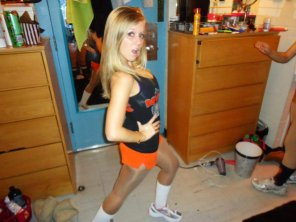 amateur photo Hooters.