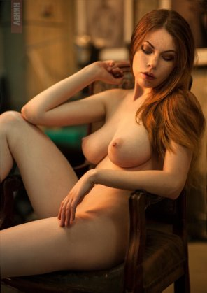 amateur photo Beauty in chair