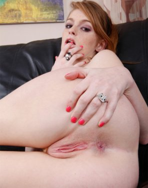amateur photo Faye Reagan
