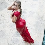 amateur photo The lady in red
