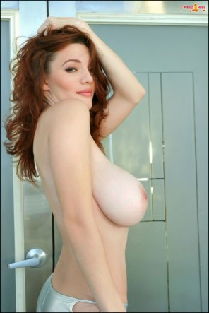amateur photo Big Tittied Redhead Danielle