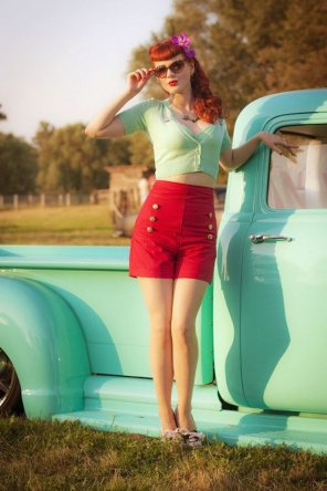 amateur photo Redheaded pinup