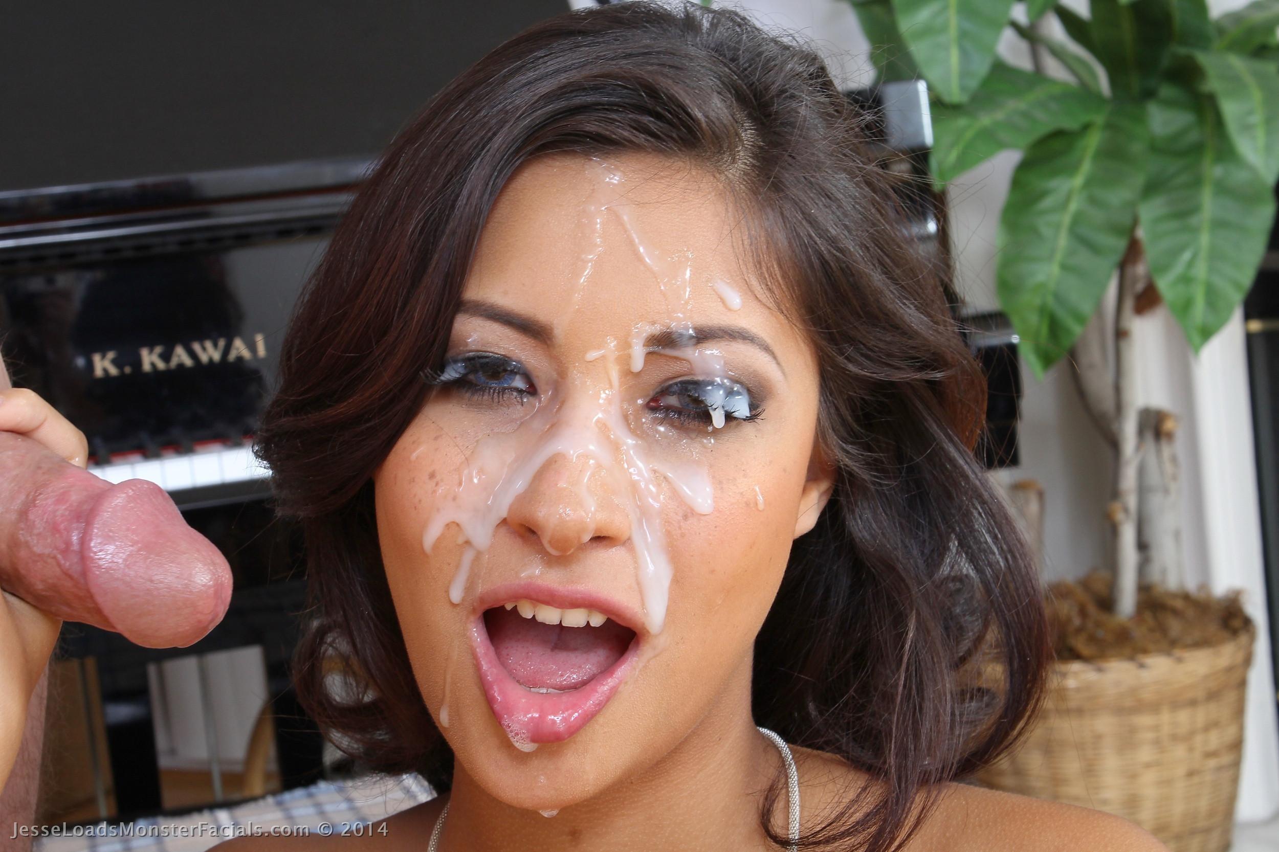 Filthy Latina Carmella Santiago Fucking Until Bukkake