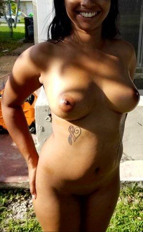 amateur photo Big tits and a big smile