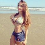 amateur photo Sexy Little Girl At Beach
