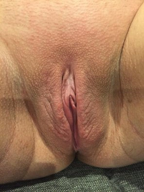 amateur photo [F]reshly Waxed pregnant pussy...